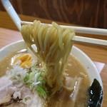 麺屋 武双 - 麺アップ~少し太いか??釧路では考えられない麺です