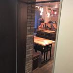 大衆ビストロ Hamakin - ホテル内エレベーター側からの入口