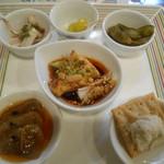 中国旬菜 茶馬燕 - 料理写真:2016.11:前菜六種盛り合わせ