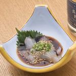 ウラニワ - 刺身を大分の甘い醤油で漬けにした「りゅうきゅう」