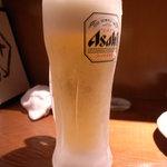 十八番 - ギンギンに冷えたビール。店長の気合が伝わります。