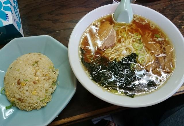 中華 紅楽 - 半チャン・ラーメン 760円