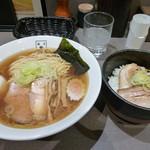 麺匠 玄龍 - あごだし醤油+チャーシュー丼