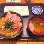 たきわ - 二色丼(マグロ、平目ヅケ) 1300円