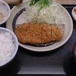 58907943 - 豚カツ(ロースかつ)定食
