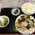 龍鳳園 - A ランチ回鍋肉