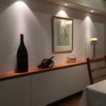 レストラン香味屋 - 壁に飾られた素敵なデッサン