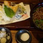 しのぶ庵 - 天ぷらそば1250円