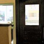 プカ オーガニクス - 上手く撮影できなかったけど、木製のドアがイイカンジ
