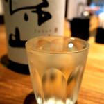 酒と三菜 菜々蔵 - 半合はこのグラス
