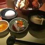 58918873 - 温泉卵、豆腐、味噌汁、お新香