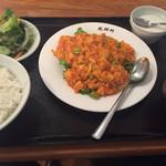 龍祥軒 - エビとタマゴのチリソース900円