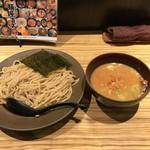 麺屋 百式 - 渡り蟹のつけ麺830円