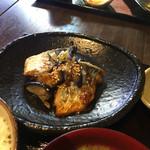 めろう屋 DEN - サゴシの味噌バターソテー