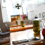 ル・コントワール・オクシタン - 窓際テーブル席