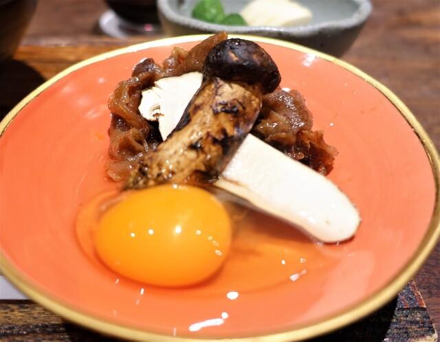 鳥茂 - 岩手県産の松茸と、和牛サーロインのすき焼き