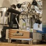 UMI CAFE - VIBIEMMEのマシンでこだわりのエスプレッソを