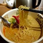 58934811 - 『姫 担々麺』麺リフトアップ