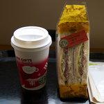 スターバックス・コーヒー - グレインブレッドBLT/キャラメルエクレールラテ(HOT)