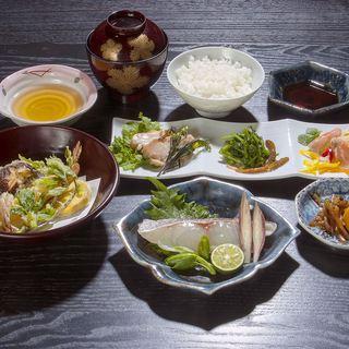 地元産の新鮮な野菜、手塩にかけたごちそう米。