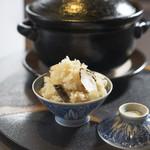 佐賀牛 Sagaya - 松茸の土鍋炊き込みご飯