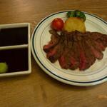 肉バル銀次郎 - 黒毛和牛ランプステーキ100g