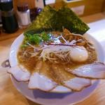 ミヤタヌードル - 醤油ラーメン(特製)980円