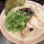 博多ラーメン 替玉食堂 - ラーメン680円