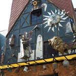 メフィストフェレス - 店名は、ゲーテの戯曲「ファウスト」で出てくる悪魔の名に由来する