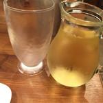 焼肉 千里 - 白ワインデキャンタ