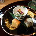 和食 小ぐり - お通しは三種盛り