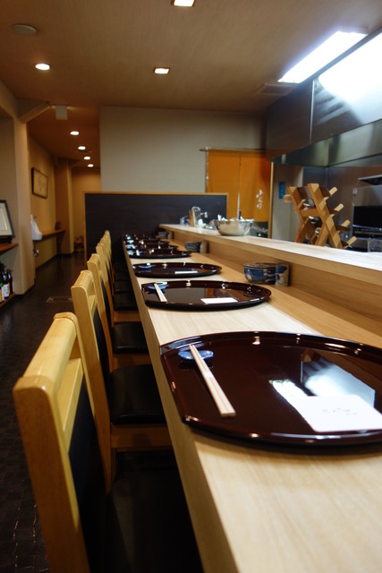 和食 小ぐり - 整然と美しいカウンター
