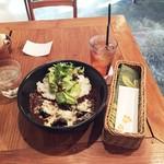 Tsunami Ebisu TOKYO - ナスと挽肉のカレーw/トロピカルアイスティ1,200円