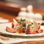 郷土料理 五色 - 人気のローストビーフです!!