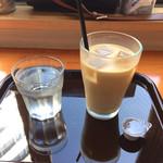 ガムツリーコーヒーカンパニー - アイスカフェラテS/390円