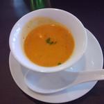 航旅莉屋 - 今日のランチスープはお野菜のポタージュとのこと。南瓜の味が良くしました。
