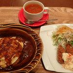 ファミリーキッチン ボチャカ - 「とろとろ卵の玄米入りオムライス&岡山県産カキフライの贅沢セット(スープ付き)」(950円)