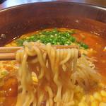 UNO - もっちりの中太縮れ麺。 さすが生パスタが人気の店だけあって、美味しいです。