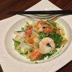 A・DINING - A・DINING(エーダイニング)(東京都港区新橋1-4-5 G10ビル 5F)A・DININGサラダ 900円