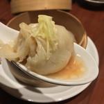 A・DINING - A・DINING(エーダイニング)(東京都港区新橋1-4-5 G10ビル 5F)小籠包3点盛(小籠包)