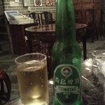 知音食堂 - 内観写真:青島ビール