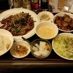 四川厨房 随苑 - ニラレバ定食(730円)