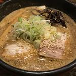 吉山商店 - 焙煎ごまみそラーメン