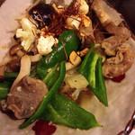 ダイニング イオリ - 砂ズリと地野菜のガーリック炒め