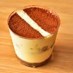 ポレポレカフェ - 自家焙煎コーヒーのティラミス