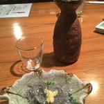 59005564 - お通しの生シラスと日本酒