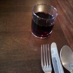 5901935 - ランチで出されるワインは、こんなグラスです。