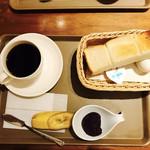トラッツィオーネ ナゴヤ ウィズ カゴメ - 小倉モーニング 380円(税込)