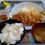 玉屋食堂 - チキンカツ定食 650円