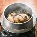 旬味和膳 季乃庄 - 牡蠣釜飯 850円